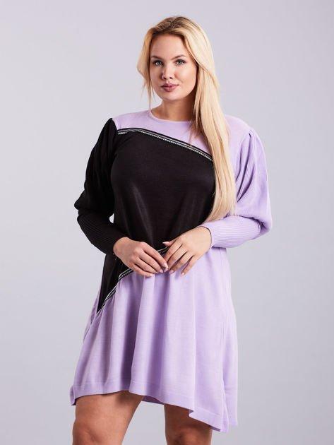 Fioletowo-czarna sukienka dzianinowa PLUS SIZE                              zdj.                              1