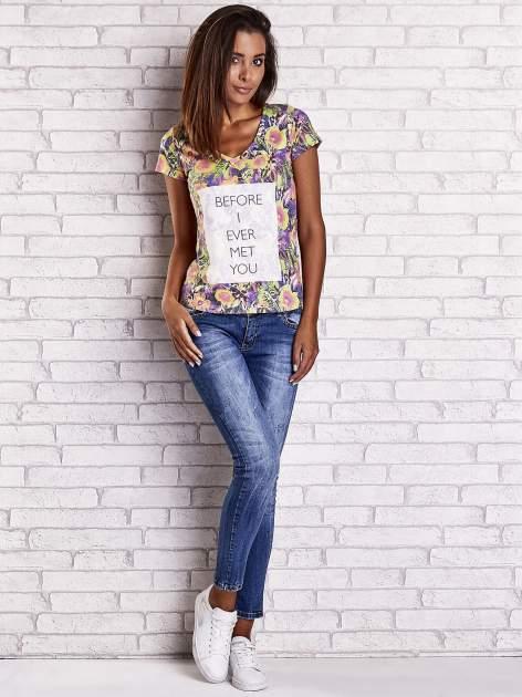 Fioletowy t-shirt w kwiaty z napisem BEFORE I EVER MET YOU                                  zdj.                                  4