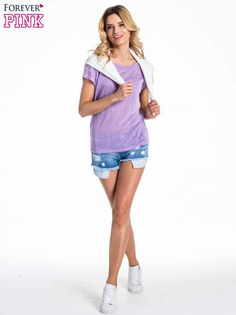 Fioletowy t-shirt z kryształkami na rękawach                                  zdj.                                  2