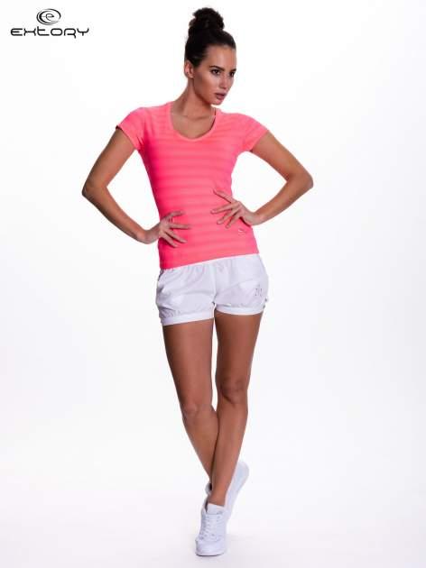Fluoróżowy t-shirt sportowy w paseczki                                  zdj.                                  2