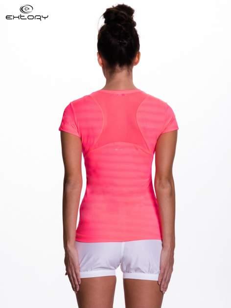Fluoróżowy t-shirt sportowy w paseczki                                  zdj.                                  4