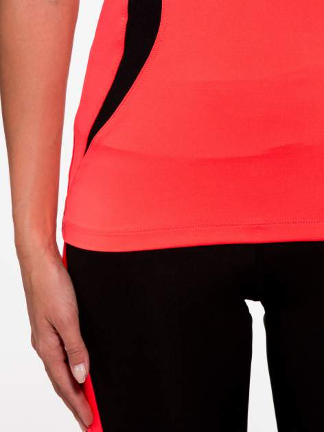 Fluoróżowy termoaktywny t-shirt sportowy z siateczką przy dekolcie ♦ Performance RUN                                  zdj.                                  7