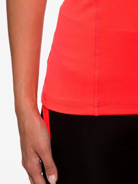 Fluoróżowy termoaktywny t-shirt sportowy z siateczką przy dekolcie i z tyłu ♦ Performance RUN                                  zdj.                                  7