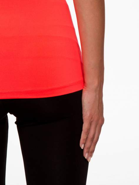 Fluoróżowy termoaktywny t-shirt sportowy z siateczką przy dekolcie i z tyłu ♦ Performance RUN                                  zdj.                                  9
