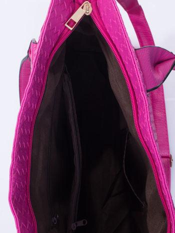 Fuksjowa pleciona torebka z suwakami                                  zdj.                                  5