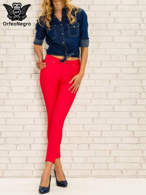 Fuksjowe spodnie rurki skinny z kieszeniami                                  zdj.                                  2