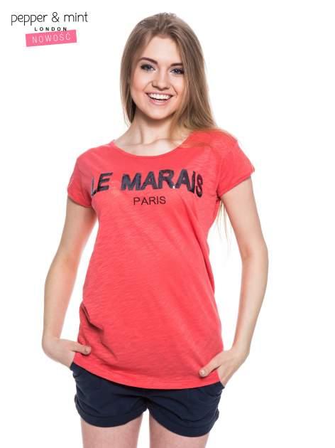 Fuksjowy t-shirt z nadrukiem LE MARAIS                                  zdj.                                  1