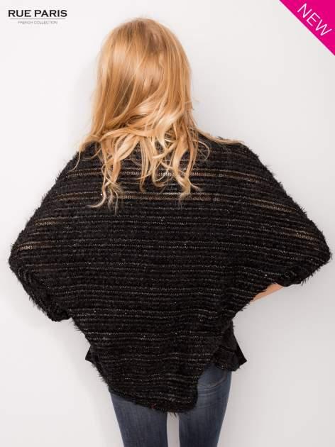 Futrzany sweter nietoperz przeplatany błyszczącą nicią                                  zdj.                                  4