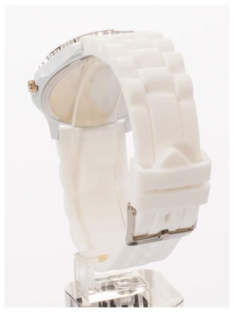 GENEVA Biały zegarek damski z cyrkoniami na silikonowym pasku                                  zdj.                                  4