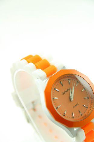 GENEVA Pomarańczowo-biały zegarek damski na silikonowym pasku                                   zdj.                                  2