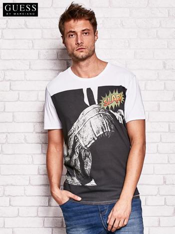 GUESS Biały t-shirt męski z nadrukiem                                   zdj.                                  1