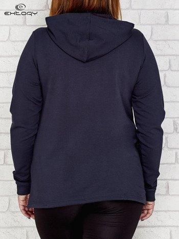 Grafitowa bluza oversize z kapturem PLUS SIZE                              zdj.                              2
