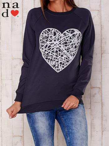 Grafitowa bluza z nadrukiem serca                                  zdj.                                  1