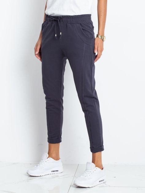 Grafitowe spodnie Approachable                              zdj.                              3