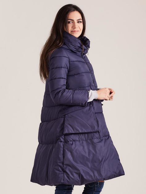 Granatowa asymetryczna kurtka zimowa                              zdj.                              3