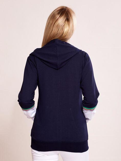 Granatowa bluza na zamek z kontrastowymi wstawkami                              zdj.                              2