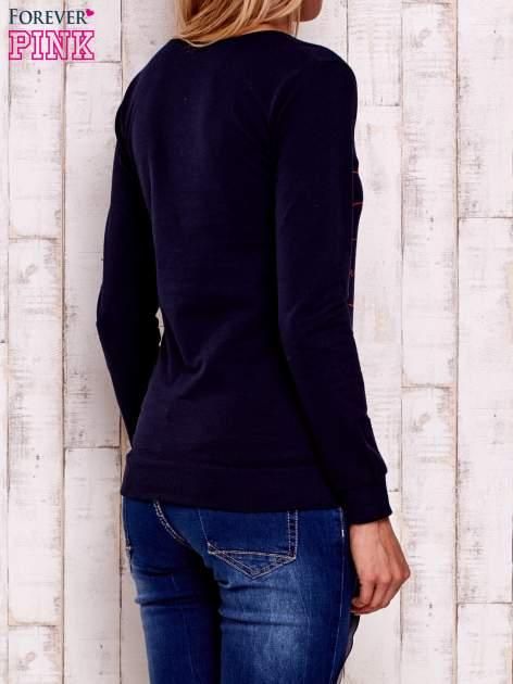 Granatowa bluza z napisem GET YOUR HAPPY ON                                  zdj.                                  2