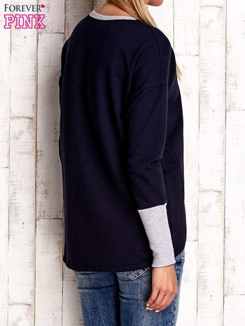Granatowa bluza z wiązaniem i szerokim ściągaczem                                  zdj.                                  4