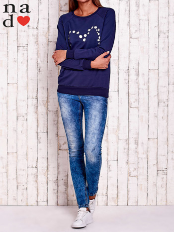 Granatowa bluza z wzorem serca                                  zdj.                                  2