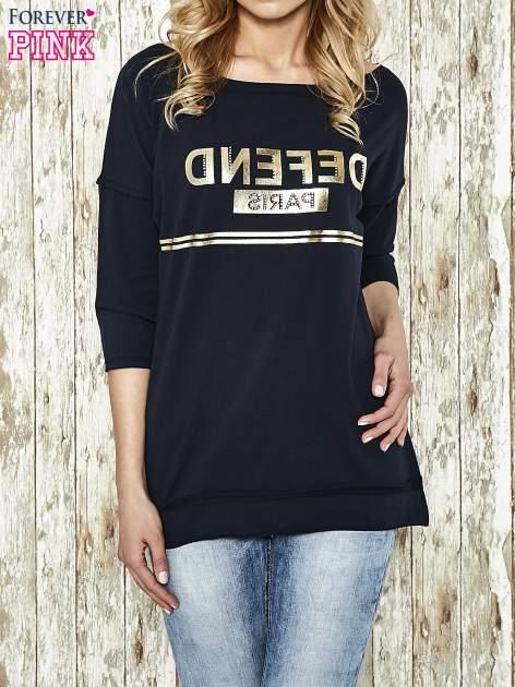 Granatowa bluza ze złotym napisem i suwakiem