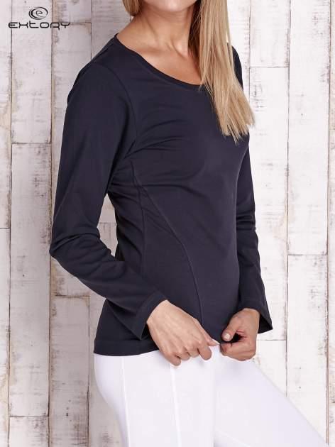 Granatowa bluzka sportowa z dekoltem U                                  zdj.                                  3