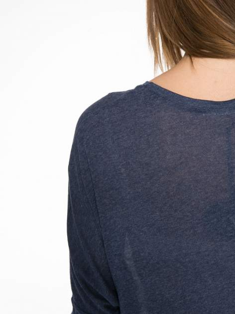 Granatowa bluzka z asymetrycznym cięciem na dole                                  zdj.                                  12