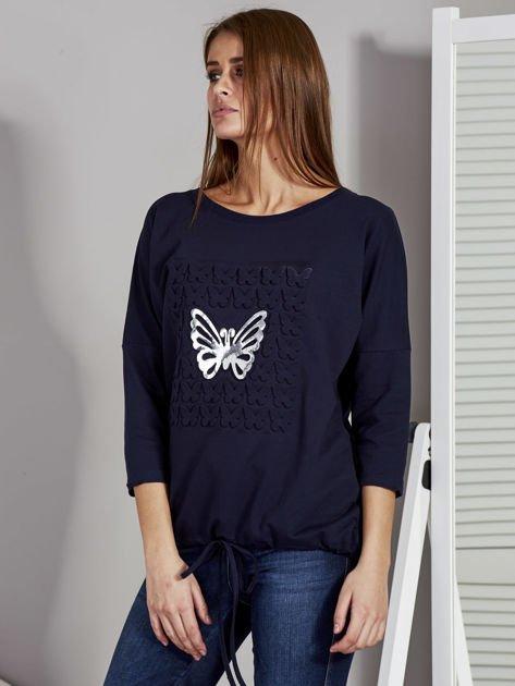 Granatowa bluza z motywem motyli                              zdj.                              3