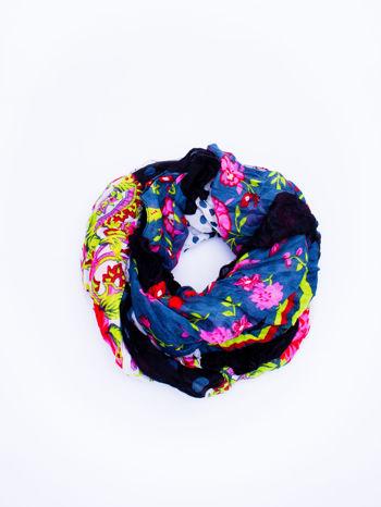 Granatowa chusta we wzór patchworkowy                                  zdj.                                  2