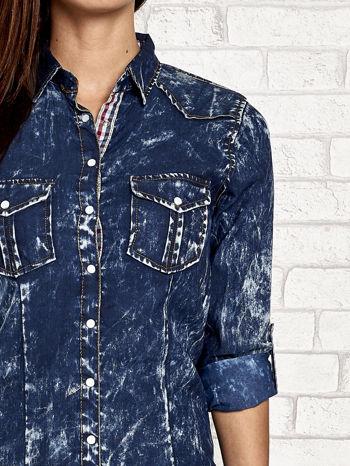 Granatowa dekatyzowana koszula jeansowa                                   zdj.                                  6