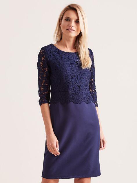 Granatowa elegancka sukienka z koronką                              zdj.                              1