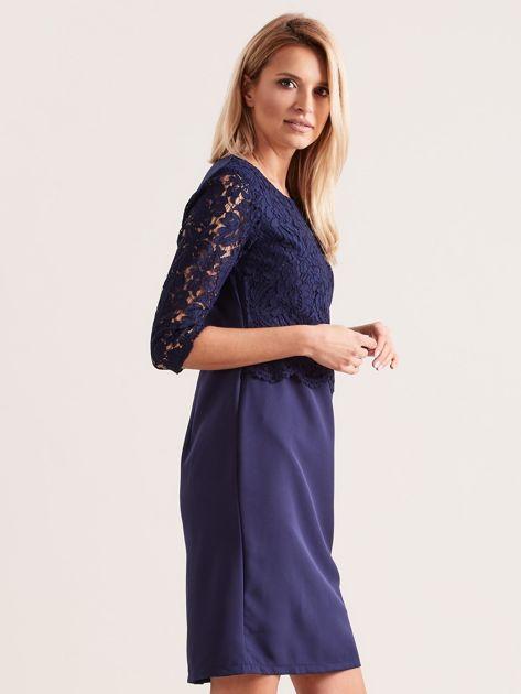 Granatowa elegancka sukienka z koronką                              zdj.                              3