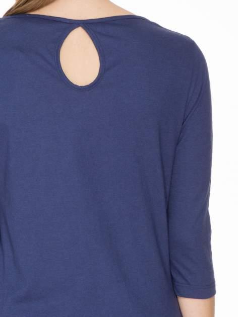 Granatowa gładka bluzka z łezką z tyłu                                  zdj.                                  7