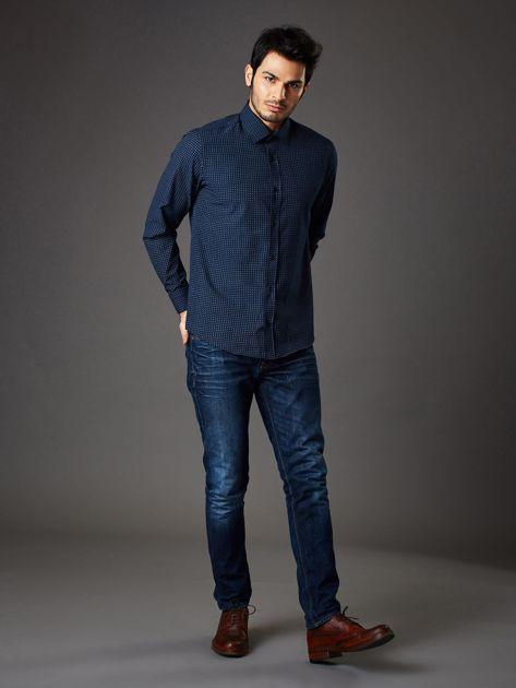 Granatowa koszula męska o prostym kroju w drobny wzór                              zdj.                              4
