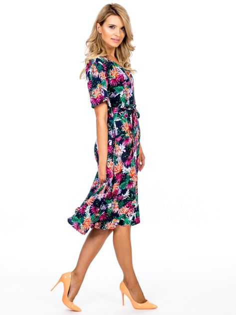 Granatowa kwiatowa sukienka z paskiem                              zdj.                              3