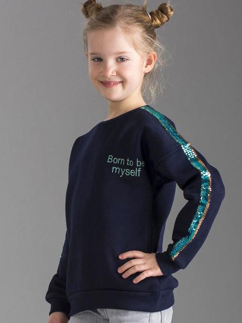 Granatowa ocieplana bluza dziewczęca z cekinami na rękawach