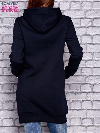 Granatowa ocieplana bluza z kapturem                                  zdj.                                  2
