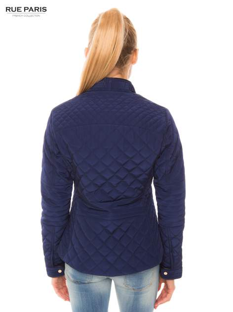 Granatowa pikowana kurtka ze skórzaną lamówką                                  zdj.                                  3