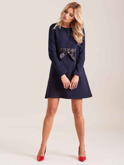 Granatowa sukienka bawełniana z kokardą                              zdj.                              4