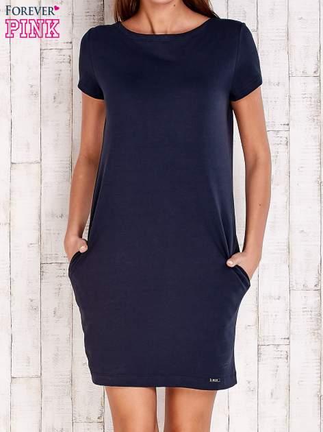 Granatowa sukienka dresowa z kieszeniami                                  zdj.                                  1