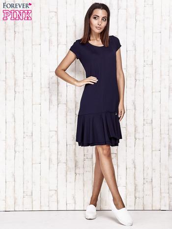 Granatowa sukienka dresowa z ozdobną falbaną                                  zdj.                                  2