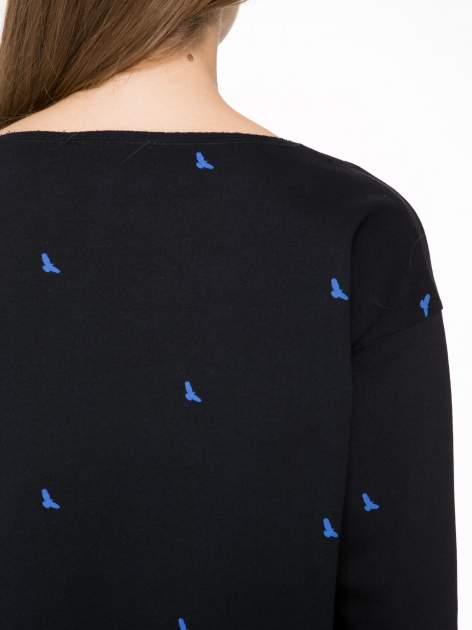 Granatowa sukienka oversize we wzór w ptaszki                                  zdj.                                  8