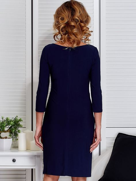 Granatowa sukienka z drapowaniem                                  zdj.                                  2