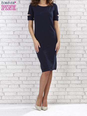 Granatowa sukienka z rozcięciami na rękawach                                  zdj.                                  2