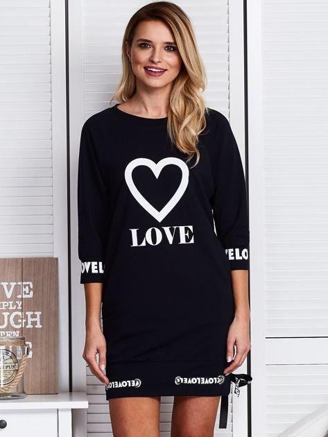 Granatowa sukienka z sercem                              zdj.                              1