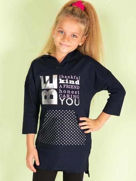 Granatowa tunika dziewczęca z metalicznym nadrukiem                              zdj.                              1