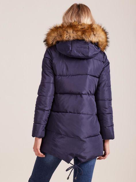 Granatowa zimowa kurtka z futerkiem                              zdj.                              2