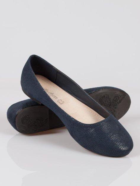Granatowe baleriny faux leather z efektem animal skin                                  zdj.                                  4