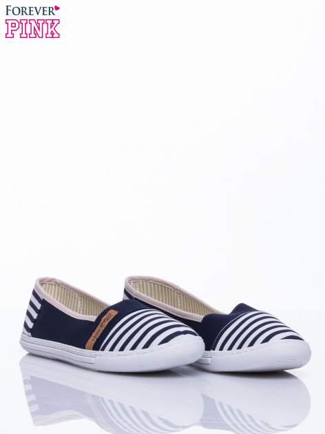 Granatowe buty sliponki w paski                                  zdj.                                  3