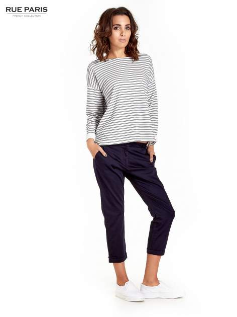 Granatowe eleganckie spodnie za kolano                                  zdj.                                  2