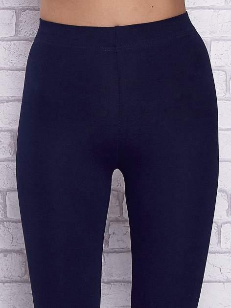 Granatowe gładkie legginsy                                  zdj.                                  4